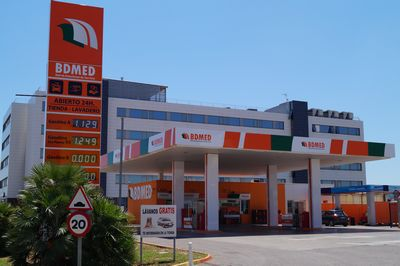 Gasolinera Castellón Hermanos Bou Low-cost